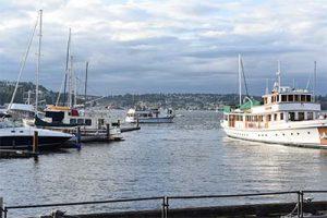 Dockside Spectacular Lake Union Views